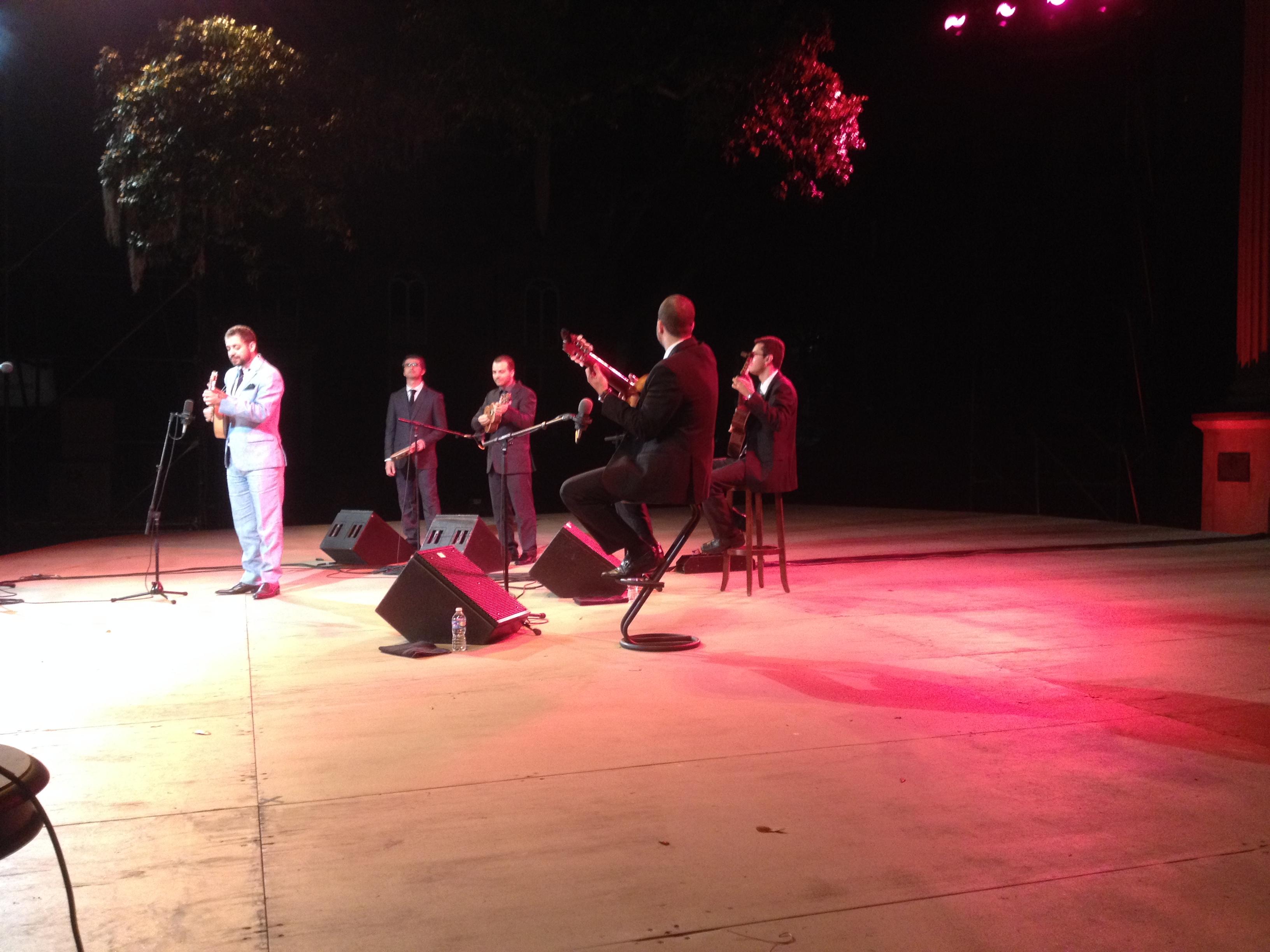 Dueto do Céu: Danilo Brito e seu bandolim - Charleston City Paper